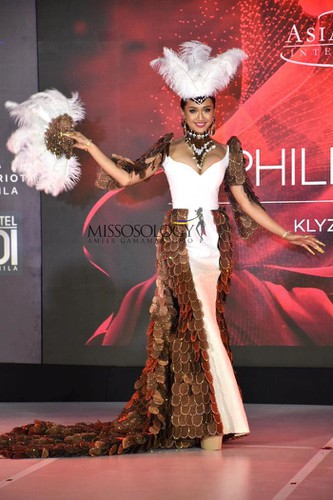 miss asia pacific international contestants shine in national costume segment hinh 7