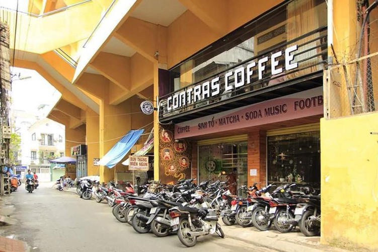 four famous coffee shops located in hanoi perfect for football fans hinh 5