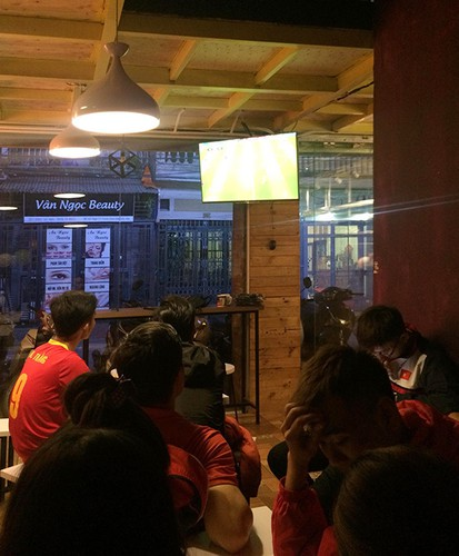four famous coffee shops located in hanoi perfect for football fans hinh 6