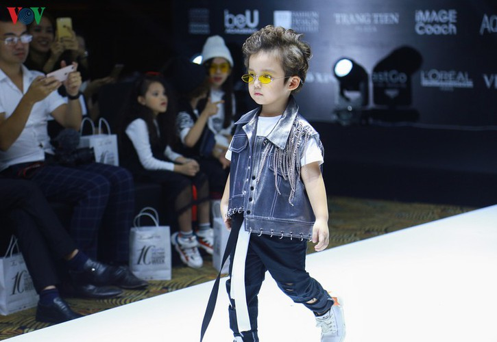 designers poised to debut fashion collections at vietnam international fashion week hinh 7