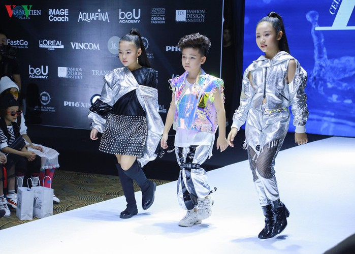 designers poised to debut fashion collections at vietnam international fashion week hinh 8
