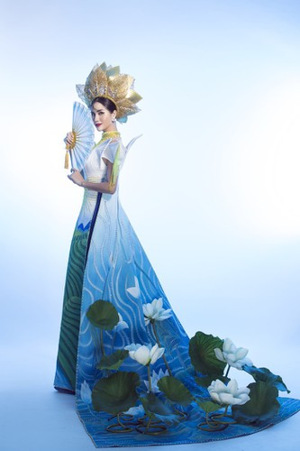 hoang hanh reveals national costume of 5,000 crystals for miss earth show hinh 10