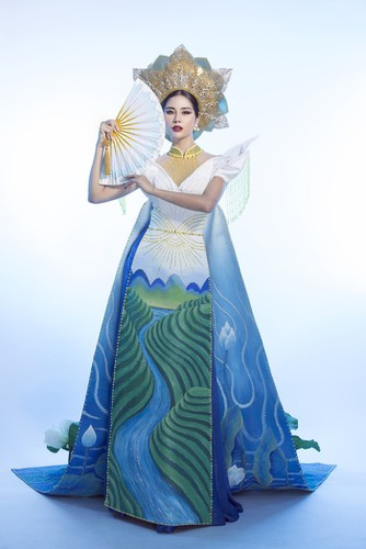hoang hanh reveals national costume of 5,000 crystals for miss earth show hinh 4