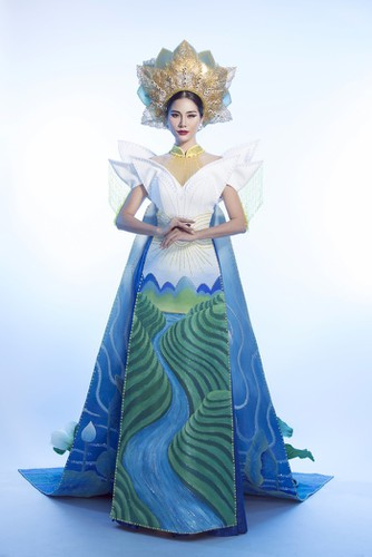 hoang hanh reveals national costume of 5,000 crystals for miss earth show hinh 5