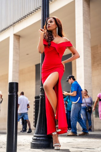 kieu loan comes sixth in top 21 at historic crowns fashion show hinh 4