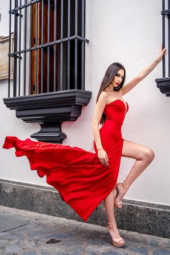 kieu loan comes sixth in top 21 at historic crowns fashion show hinh 7