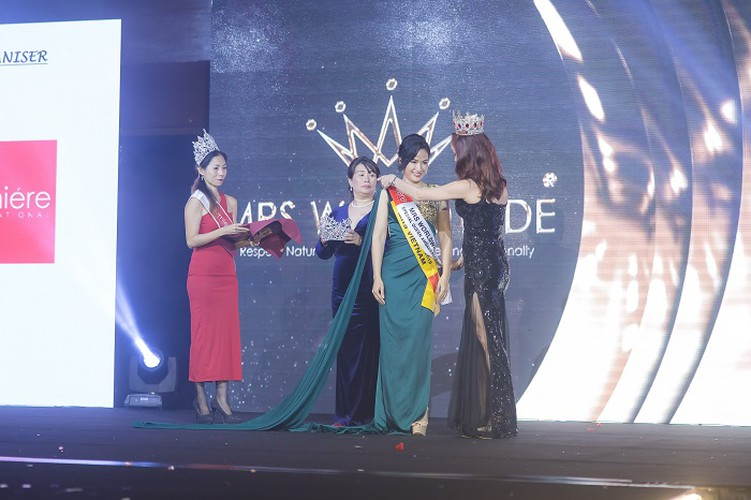 hoang hat finishes among top 10 of mrs worldwide 2019 hinh 1