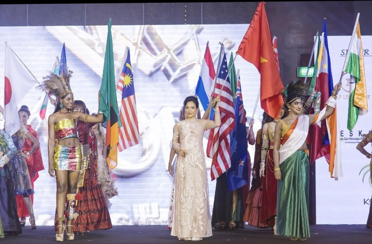 hoang hat finishes among top 10 of mrs worldwide 2019 hinh 3