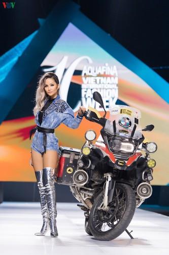 vietnam international fashion week 2019 opens in hanoi hinh 2