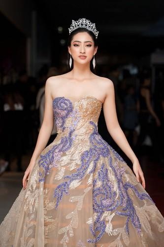 vietnam international fashion week 2019 opens in hanoi hinh 8