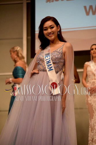 miss international contestants attend welcome party hinh 1