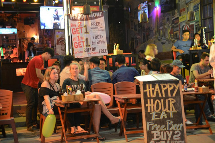 best spots for a halloween hangout in ho chi minh city hinh 1