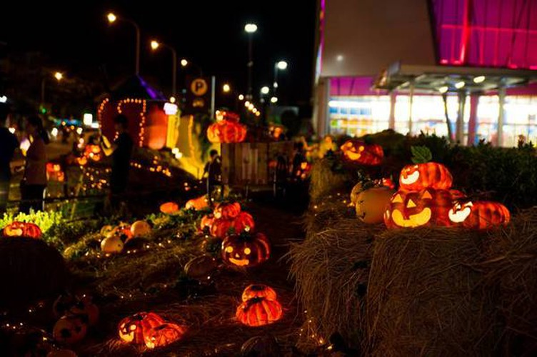 best spots for a halloween hangout in ho chi minh city hinh 5