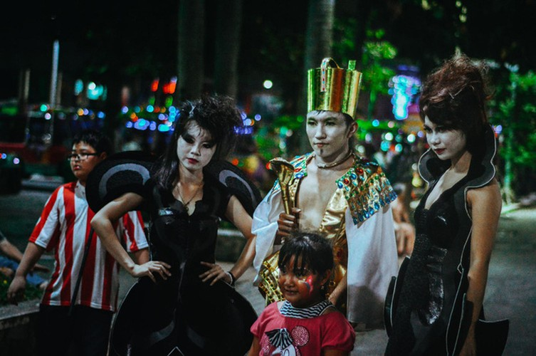 best spots for a halloween hangout in ho chi minh city hinh 8