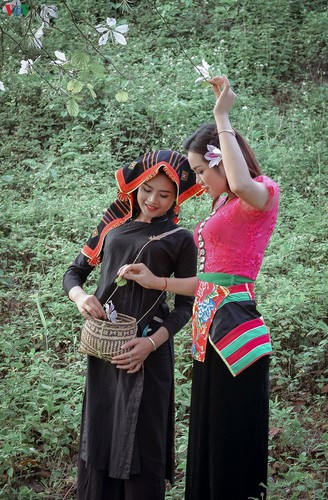 pieu scarf in thai ethnic people' life hinh 2