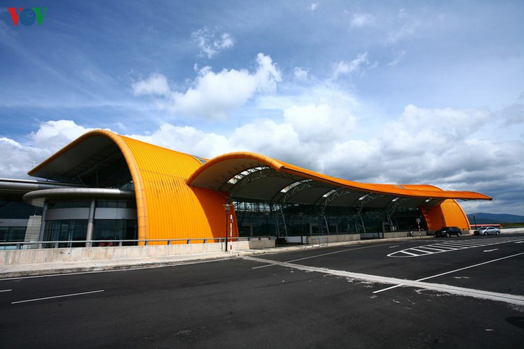 discovering the uniquely designed lien khuong airport hinh 3