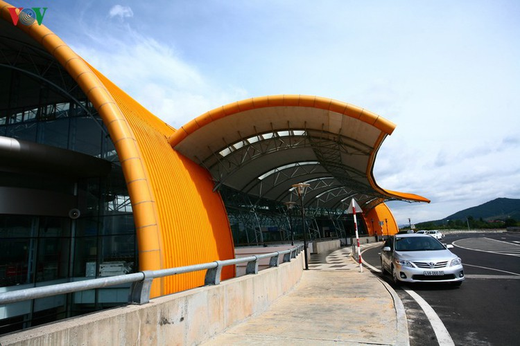 discovering the uniquely designed lien khuong airport hinh 4
