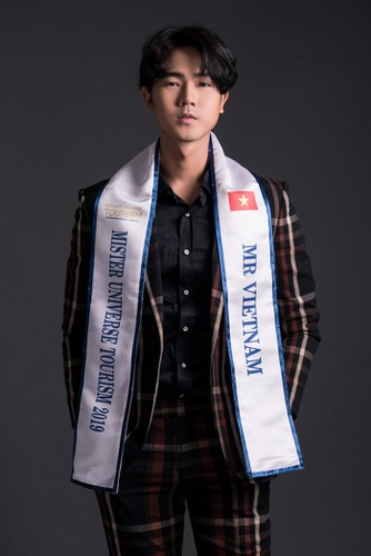 nguyen luan poised to represent vietnam at mister universe tourism 2019 hinh 1