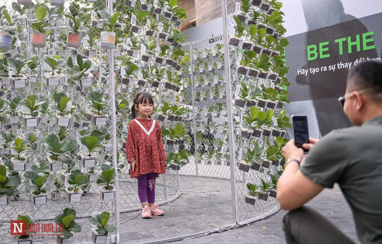 unique exhibition showcasing recycled plastic opens in hanoi hinh 13