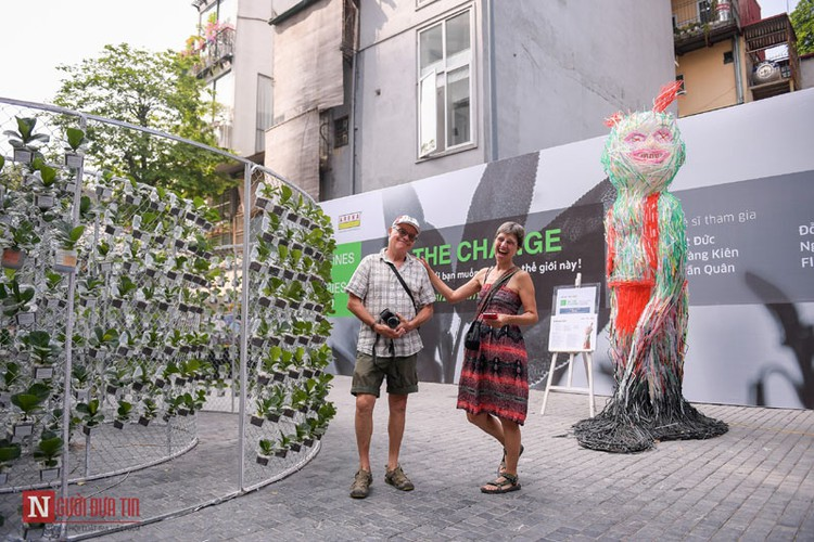 unique exhibition showcasing recycled plastic opens in hanoi hinh 16