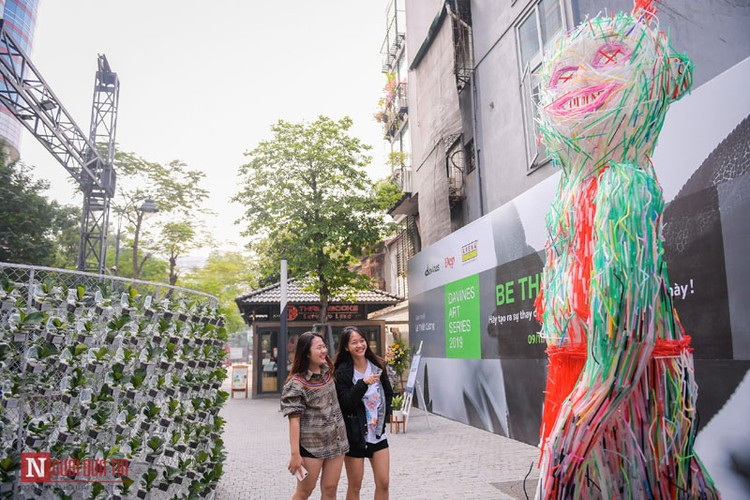 unique exhibition showcasing recycled plastic opens in hanoi hinh 4