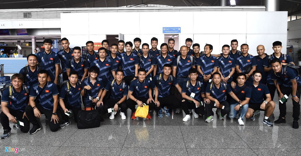 vietnam's u22s depart from hcm city for sea games 30 hinh 10