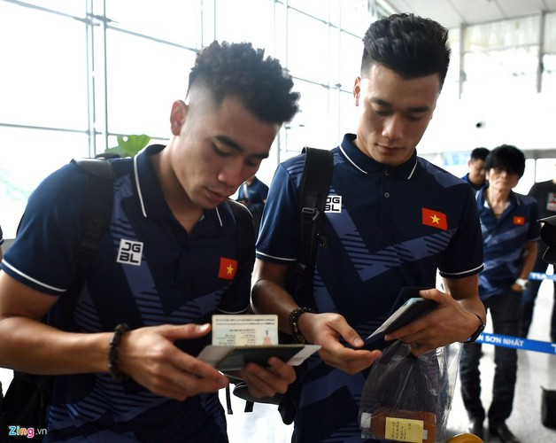 vietnam's u22s depart from hcm city for sea games 30 hinh 7