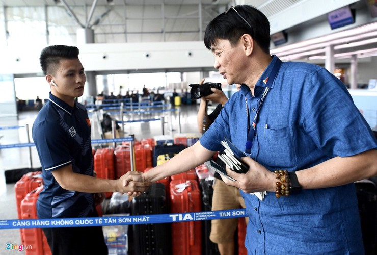 vietnam's u22s depart from hcm city for sea games 30 hinh 9