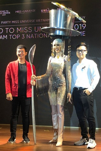 hoang thuy announces national costume choice for miss universe 2019 hinh 2