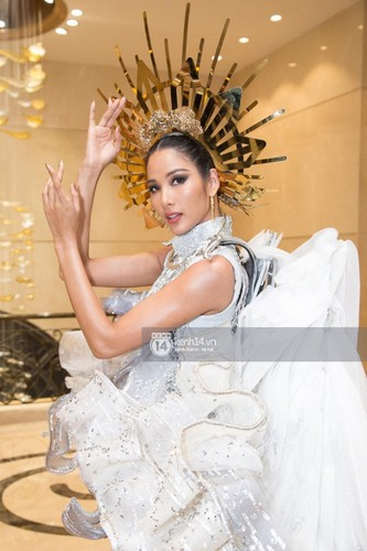 hoang thuy announces national costume choice for miss universe 2019 hinh 8