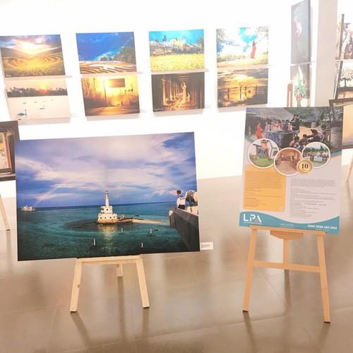 light journey photo exhibit hinh 4