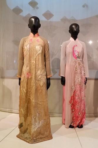 ao dai exhibition at vietnamese women's museum hinh 6