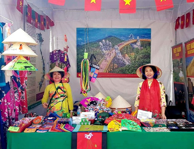 vietnamese embassy joins in second oriental festival in mexico hinh 1