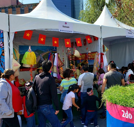 vietnamese embassy joins in second oriental festival in mexico hinh 3