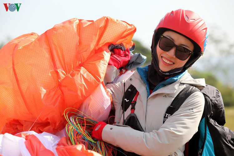 putaleng international paragliding competition concludes in lai chau hinh 10