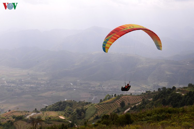 putaleng international paragliding competition concludes in lai chau hinh 12