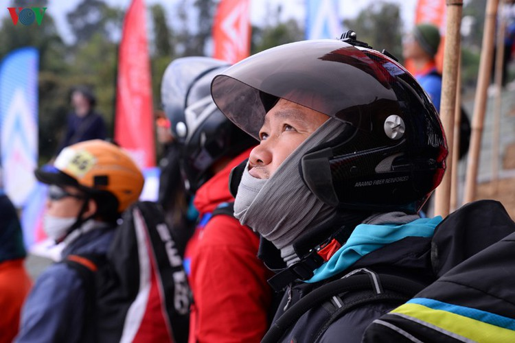 putaleng international paragliding competition concludes in lai chau hinh 14