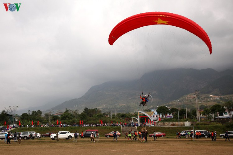 putaleng international paragliding competition concludes in lai chau hinh 15