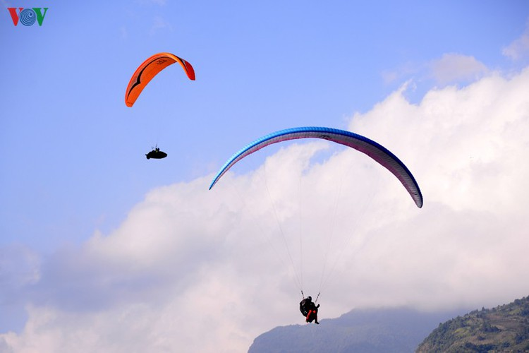 putaleng international paragliding competition concludes in lai chau hinh 19