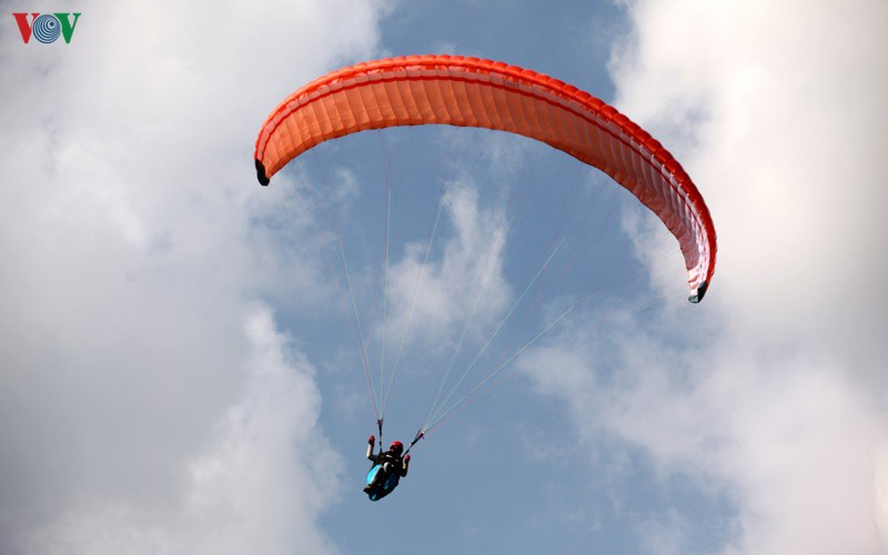 putaleng international paragliding competition concludes in lai chau hinh 3