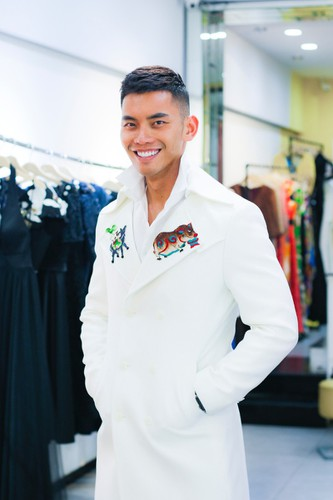 manh khang throws himself into busy schedule at mister supranational 2019 hinh 1