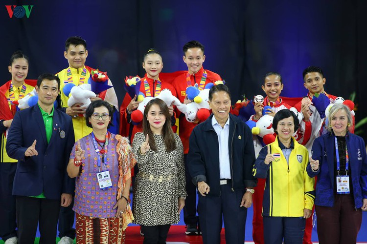 vietnamese athletes win 70 gold medals during ongoing sea games 30 hinh 11