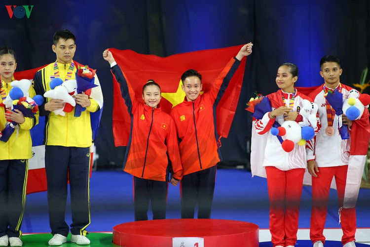 vietnamese athletes win 70 gold medals during ongoing sea games 30 hinh 9
