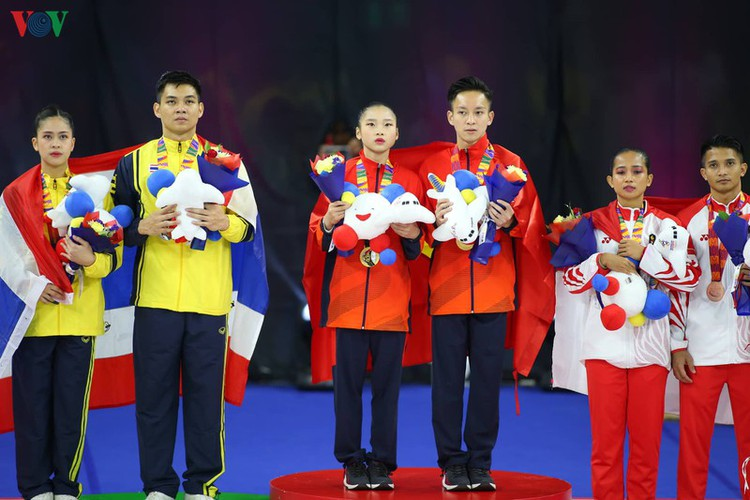 vietnamese athletes win 70 gold medals during ongoing sea games 30 hinh 10