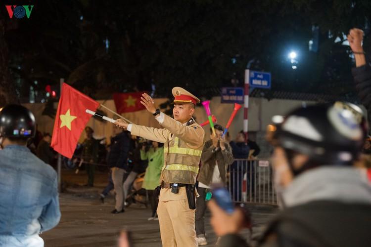 sleepless night following vietnam victory in men's football at sea games hinh 25
