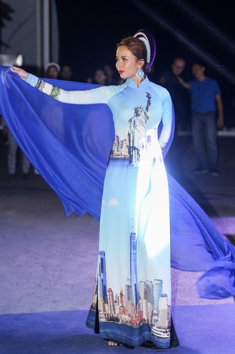 images showcasing world heritage sites featured on traditional ao dai hinh 1
