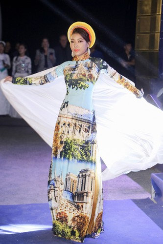 images showcasing world heritage sites featured on traditional ao dai hinh 2