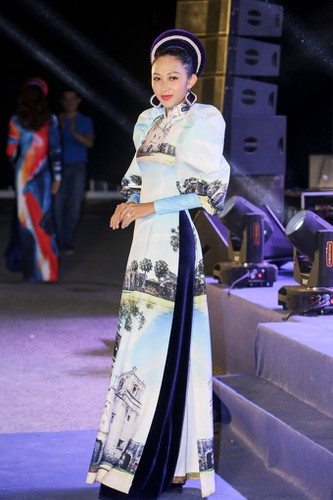 images showcasing world heritage sites featured on traditional ao dai hinh 4