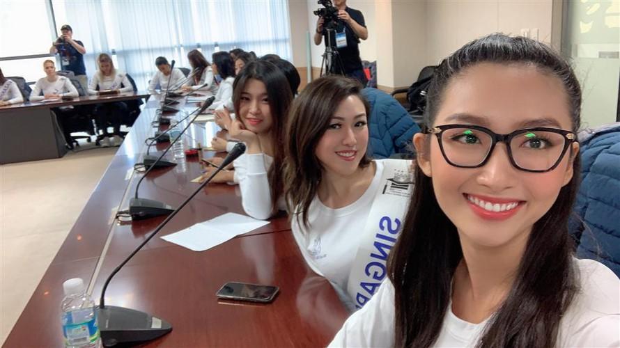 thanh khoa wins world miss university 2019 crown hinh 11