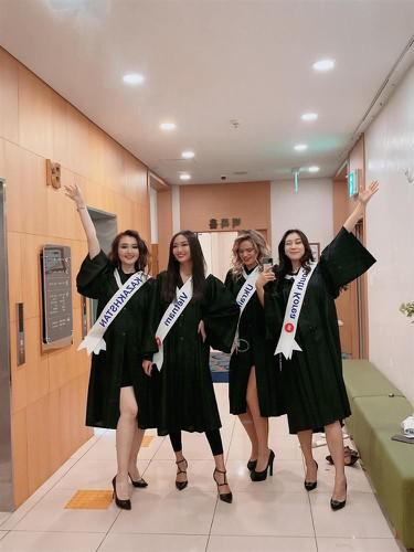 thanh khoa wins world miss university 2019 crown hinh 12